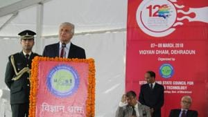 Governor KK Paul addresses inaugural session of 12th Uttarakhand Science Congress in Dehradun on Tuesday.(HT Photo)