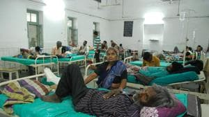 A NITI Aayog report on the quality of healthcare services said 20% posts of nurses are yet to be filled in Uttarakhand while none of the 13 districts have a functional cardiac centre.(HT Photo)