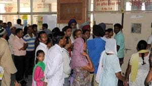 With no ventilator and intensive care unit, there is much that is lacking in the 200-bed civil hospital at Mohali. Besides, the hospital doesn't have cardiac, ultrasound, X-ray facility after 8pm and nurses at night.(HT File)
