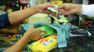 Ground reality has been quite different with hawkers, shopkeepers and residents openly using plastic, said activists.(HT File Photo)