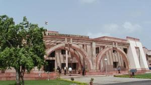 An IIM-Indore student has been offered an annual package of Rs 63.45 lakh to work abroad, which is the highest during the final placement this year.(HT file)
