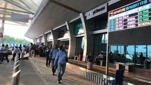 Some passengers cite major congestion at Lohegaon international airport.(RAHUL RAUT/HT PHOTO)