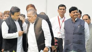 Cracks had emerged in ties between Shivpal (far right) and Akhilesh (left) in August 2016, when a power struggle broke out in the family.(PTI File)