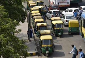 There are about 19,000 registered autorickshaws in Noida and 70% of owners have not renewed tax permits.(Virendra Singh Gosain/HT PHOTO)