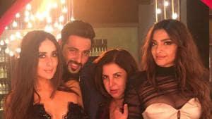 Kareena Kapoor Khan, Badshah, Farah Khan and Sonam Kapoor while shooting for a Veere Di Wedding song.(Instagram)