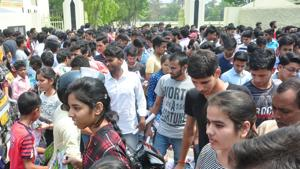 West Bengal Board results 2018 date: WBBSE is expected to release the Madhyamik results by the end of May and Class 12 results in early June.(HT file)