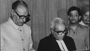 Justice Rajinder Sachar is swearing by Lt Governor MMK Wali as Chief Justice of the Delhi High Court -(HT File Photo)