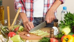 You can lose weight faster if you adopt a healthy lifestyle and diet.(Shutterstock)