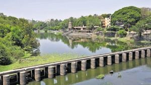 The river development project will help revive the Pavana river in Chinchwad, which is currently suffocating due to untreated sewage problems and the hyacinth menace.(HT PHOTO)