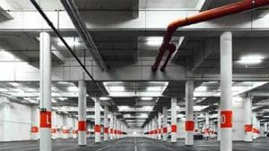 The city is set to get its first two underground parking lots – one under Raosaheb Patwardhan Park at Bandra's Linking Road and another under Jhula Maidan, near Mumbai Central.(HT File Photo / Representational image)