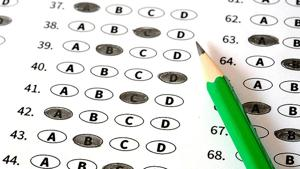 According to the police, the accused had tampered with answer sheets of candidates and increased marks of about 30 candidates (to over 90 marks). Each candidate had paid an amount between Rs five lakh to Rs 10 lakh for the purpose.(HT REPRESENTATIONAL PHOTO)