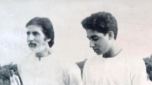 Abhishek Bachchan wished dad Amitabh on his new film.(Instagram)
