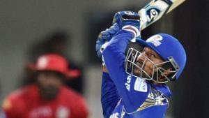 Mumbai Indians' Krunal Pandya scored an unbeaten 12-ball 31 to keep his team alive in IPL 2018.(PTI)