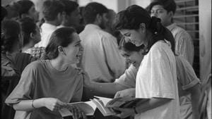 """The HC bench said that CBSE's January 22 notification prescribing upper age limit of 25 years in case of general category candidates and 30 years in case of reserved category candidates for NEET is """"legal and valid"""". (HT File Photo)(')"""