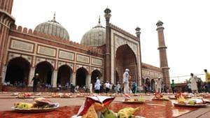 Ramzan delicacies food near Jama Masjid between Iftar and Sehri at old Delhi.(HT File Photo)