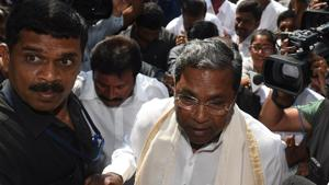 Siddaramaiah's failure to bring the Congress back to power in Karnataka has put a question mark on the strategy of going into state elections with sitting chief ministers at the helm of the campaign.(Arijit Sen/HT Photo)