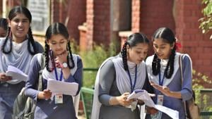Haryana Board Results 2018: The Class 10 exams, which started on March 8 and ended on March 30, were taken by 383,499 students.(HT File Photo)