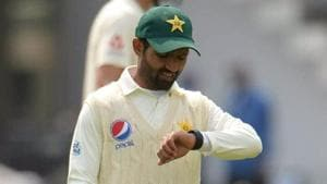 Pakistan cricket team player Asad Shafiq was seen wearing a smart watch during the first Test against England on Friday.(Twitter)