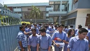 CBSE students after re appearing for the Class 12 economics exam in New Delhi on April 25, 2018. The exam, which was cancelled by the CBSE after the question paper got leaked, was conducted across 4,000 centres in the country.(Sushil Kumar/HT file)
