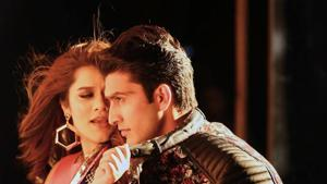 Shikha Talsania in a still from the hit song Tareefan from Veere Di Wedding.