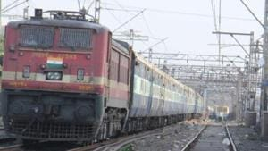 In 2017-2018 fiscal, 30 per cent trains were running late on the railway network, with the numbers failing to pick up even during the holiday season this summer.(HT File Photo)