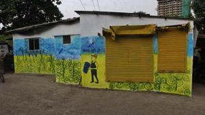 Around 200 children have colourfully painted more than 1,000 houses across Thane.(Praful Gangurde)