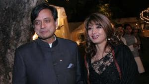 Shashi Tharoor with his late wife Sunanda Pushkar at a wedding reception in February 2010 in New Delhi. Pushkar was found dead at a seven-star hotel where the couple had checked in together a day earlier.(HT File Photo)