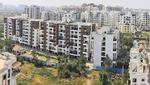The Wagholi housing society association has filed a complaint with the Pune district election officer stating that as many as 4,000 urban residential voters of different societies are being denied voting rights due to the non-inclusion of their names on the voters' lists.(Shankar Narayan/HT PHOTO)