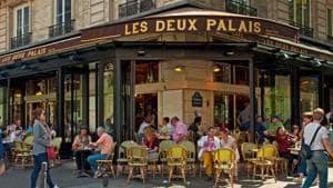A cafe terrace in Paris.(Shutterstock)