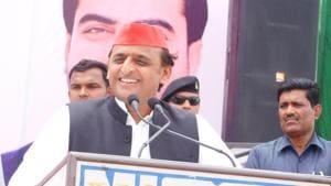 SP chief Akhilesh Yadav at a public meeting in Mainpuri.(HT Photo)