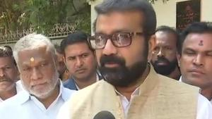 NA Haris is Congress MLA from Shantinagar in central Bengaluru. His son Mohammad Nalapad was expelled from the party over the alleged attack on the youth.(ANI/Twitter)