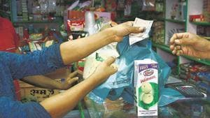 The units that have been closed have been fined Rs5,000 each as a preliminary offence for continuing to manufacture plastic bags.(HT FILE)
