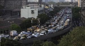 A panel report suggesting the introduction of a new class of taxis having an engine capacity between 600cc and 980cc in cities with a population of over a million people is under consideration by the Maharashtra government.(HT Photo)