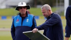 Trevor Bayliss (L) has backed his assistant Paul Farbrace to take over as England cricket team's head coach from the end of next summer.(REUTERS)