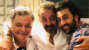Rishi Kapoor, Sanjay Dutt and Ranbir Kapoor pose together for a photo.(Twitter)