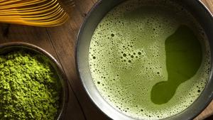 Lose weight with green tea: An abundance of catechins and antioxidants in green tea makes it one of the most effective weight loss liquid diet.