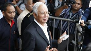In this photo taken Thursday, May 24, 2018, former Malaysian Prime Minister Najib Razak, center, speaks to media as he leaves the Malaysian Anti-Corruption Commission (MACC) Office in Putrajaya in Kuala Lumpur.(AP)