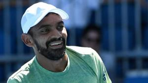 Divij Sharan and Artem Sitak eked out a 7-6(4) 6-7(8) 6-3 6-2 win in two hours and 41 minutes to book a second round berth.(Getty Images)