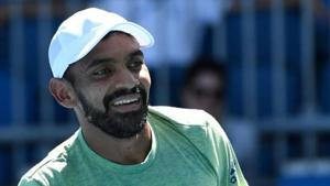 Divij Sharan and Artem Sitak won the five-setter 6-7 4-6 6-3 7-6 6-4 in a Wimbledon match that lasted three hours and 22 minutes on court number 17.(Getty Images)