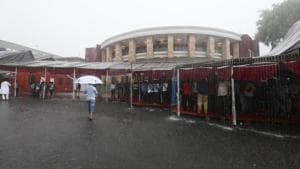 Heavy rain in Nagpur forced the state to cancel its Assembly session on Friday.(SUNNY SHENDE/HT)