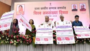 Health minister Kalicharan Saraf launches the AntaraRaj app to track women using injectable contraceptives.(Prabhakar Sharma/HT Photo)