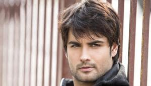 Vivian usually keeps to himself but he has been very friendly with Amrita. Everyone on the set is aware of their special friendship.