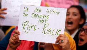 Students shout slogans during a protest against the rape and murder of an eight-year-old girl in Kathua near Jammu.(REUTERS)