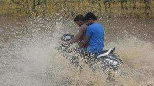 On Monday, Delhi received the third heaviest shower this season after the onset of monsoon.(Raj K Raj/HT PHOTO)
