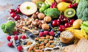 Berries, almonds and flaxseeds are some of the best foods to boost your metabolism and help in weight loss.(Shutterstock)