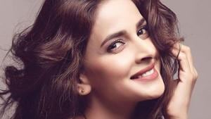 Saba Qamar is being attacked for smoking in photos that leaked online.(Instagram)