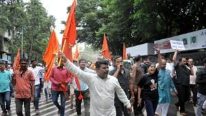 Members of Maratha community protest at Bajirao road in Pune on Tuesday.(HT PHOTO)
