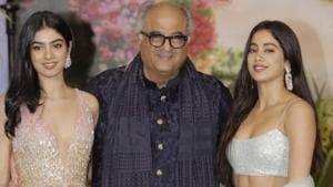 Producer Boney Kapoor along with his daughters Janhvi Kapoor and Khushi Kapoor at the wedding reception of actor Sonam Kapoor and businessman Anand Ahuja in Mumbai.(IANS)