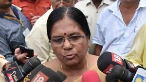 Social welfare minister Manju Verma addressing journalists in Patna on Thursday.(HT Photo)