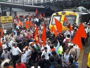 Protesters blocked trains at Thane station during the bandh last week, on July 25.(HT Photo)